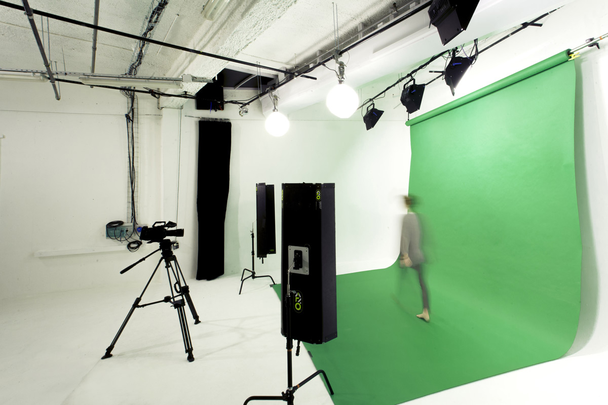 green screen studio rental e studios paris. Black Bedroom Furniture Sets. Home Design Ideas